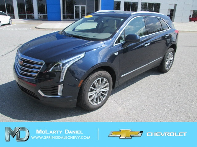 Pre-Owned 2017 Cadillac XT5 Luxury